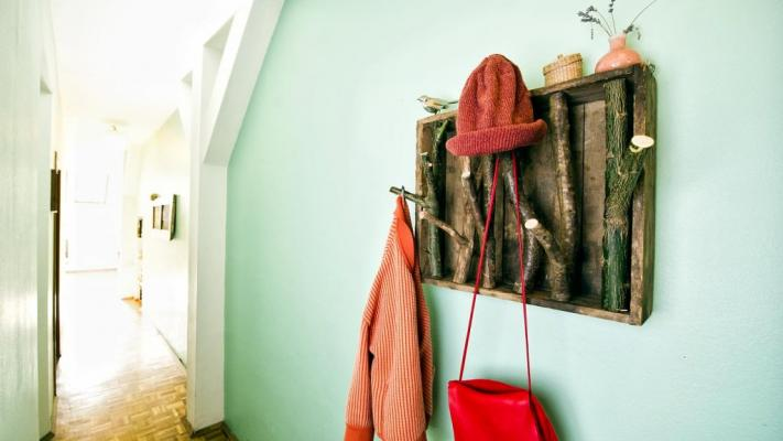 DIY Holzgarderobe
