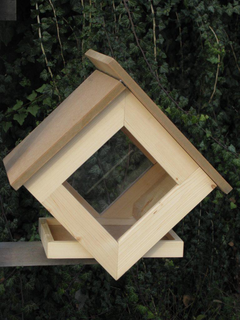 gewinne ein vogelh uschen f r deinen balkon oder garten bl hendes sterreich. Black Bedroom Furniture Sets. Home Design Ideas