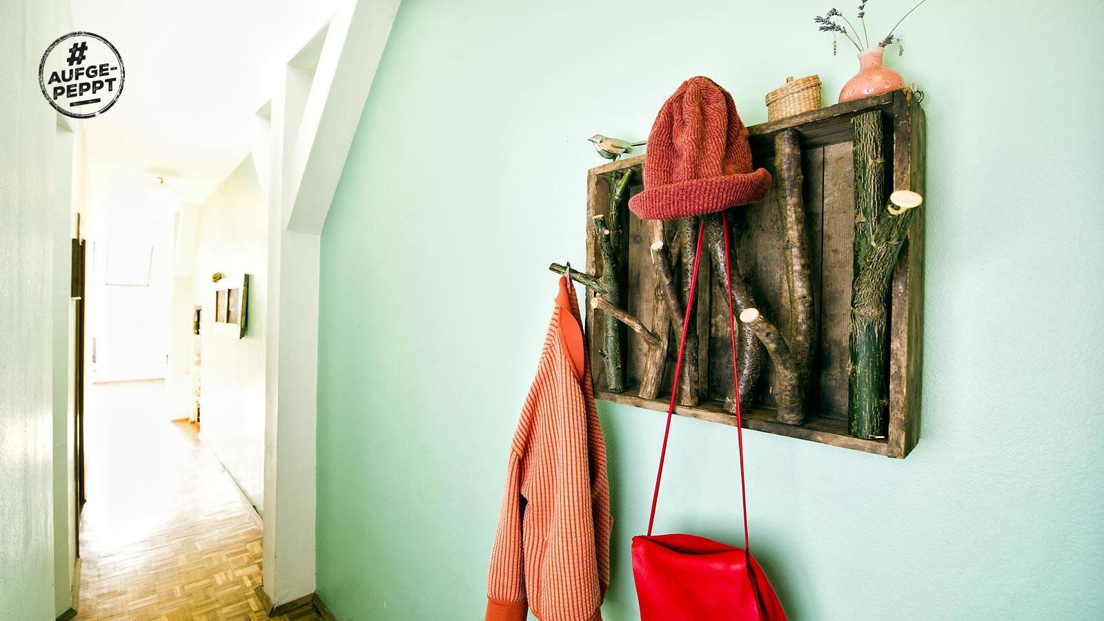 diy m bel holzgarderobe zum nachbauen bl hendes sterreich. Black Bedroom Furniture Sets. Home Design Ideas