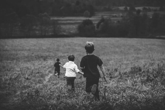 Kindesentwicklung: Fangenspielen