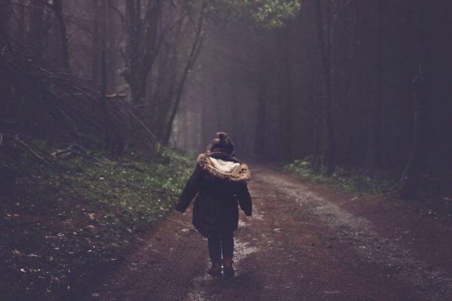 Kindesentwicklung: Waldspaziergang